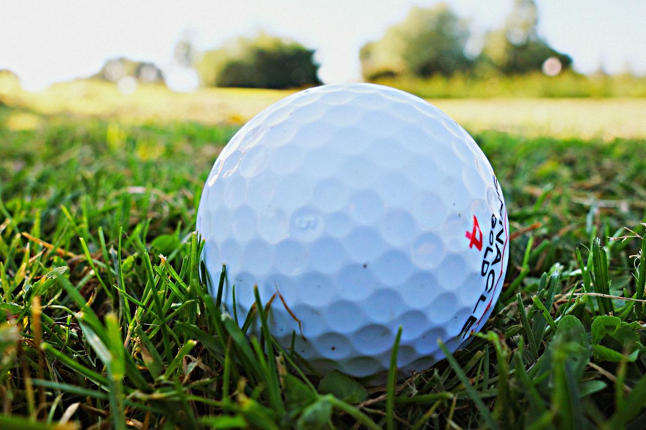 golf ball 1605948 1280 - สนามกอล์ฟดีที่สุดในไทย